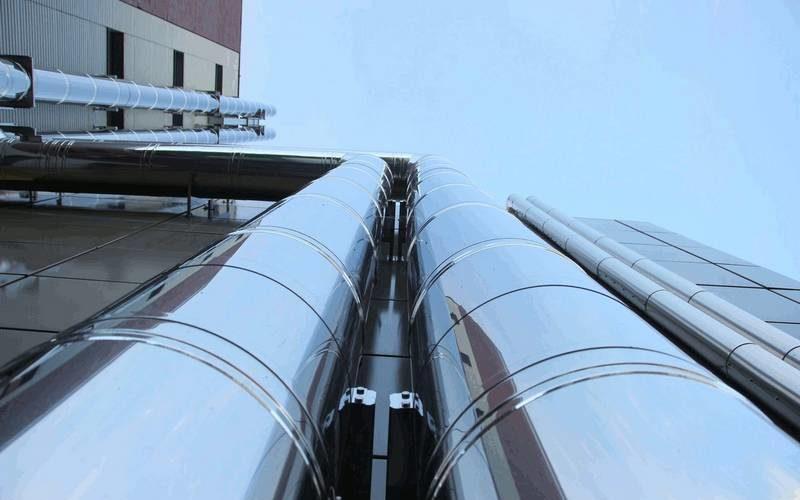 fabricant de tuyauterie et de pièces de chaudronnerie en métal et composite